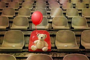 Grandstand Stadium Teddy Bear Seats  - cocoparisienne / Pixabay